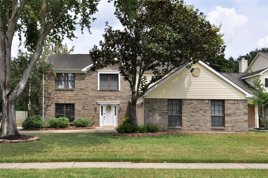 Beautiful 4/2.5/2  home, on a corner lot, in the highly desirable Golf Course Community of Pecan Grove Plantation! The kitchen will be the envy of your friends with 2 pantries, double ovens (Monogram GE stainless w/ a warming drawer) 5 Burner Gas Cooktop, gorgeous granite & tumbled marble back splash! No carpeting downstairs. Floors are rich and inviting.  Downstairs you will find formal living room and formal dining room, breakfast room and family room. Upstairs you will find 4 bedrooms w/walk-in closets. Full bathroom upstairs has been updated/remodeled! The covered patio makes this a great area to entertain or just relax with your morning coffee! Fort Bend ISD, Low Tax Rate, Easy Access to the Grand Parkway, Shopping and Dining! Don't miss out! Schedule your showing today!