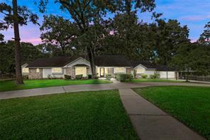 9502 Rolling Oaks Drive, Tomball, TX 77375