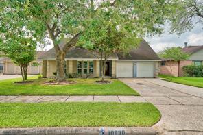 10930 Pinewood Court, La Porte, TX 77571