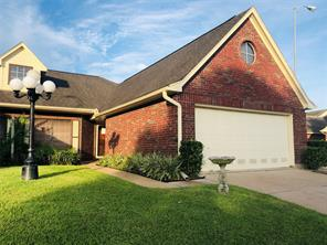 807 w country meadows lane, pearland, TX 77584