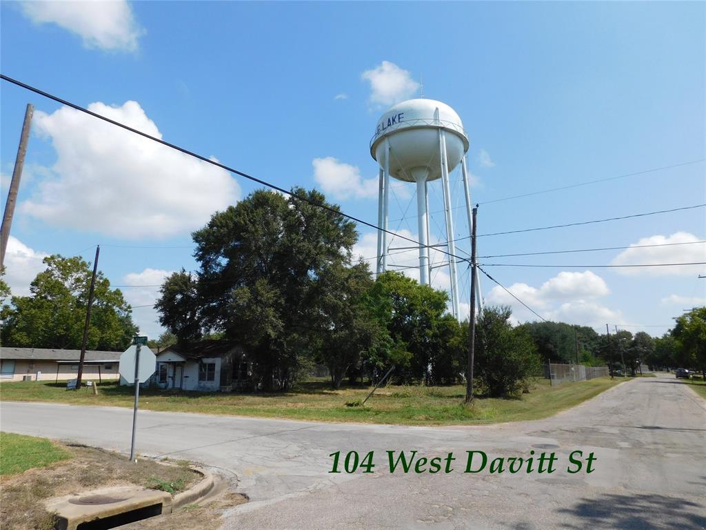 104 Davitt, Eagle Lake, TX 77434