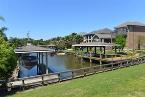 2205 Lake Cove