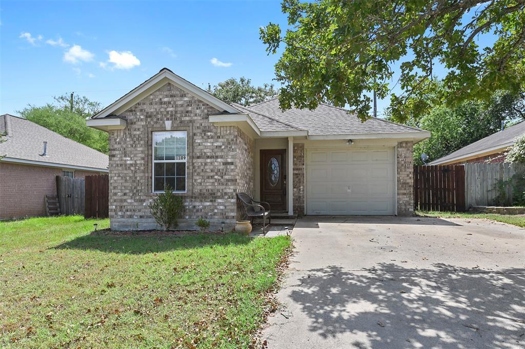 1109 Clearleaf Drive, Bryan, TX 77803