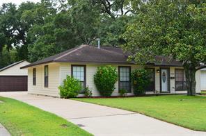 324 Redwood Street, Lake Jackson, TX 77566