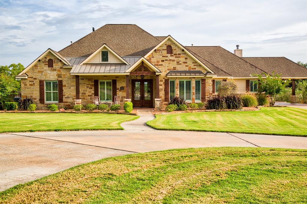 614 Country Oak Lane, Bellville, TX 77418