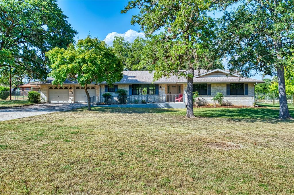105 Tall Timber Road, Kerrville, TX 78028