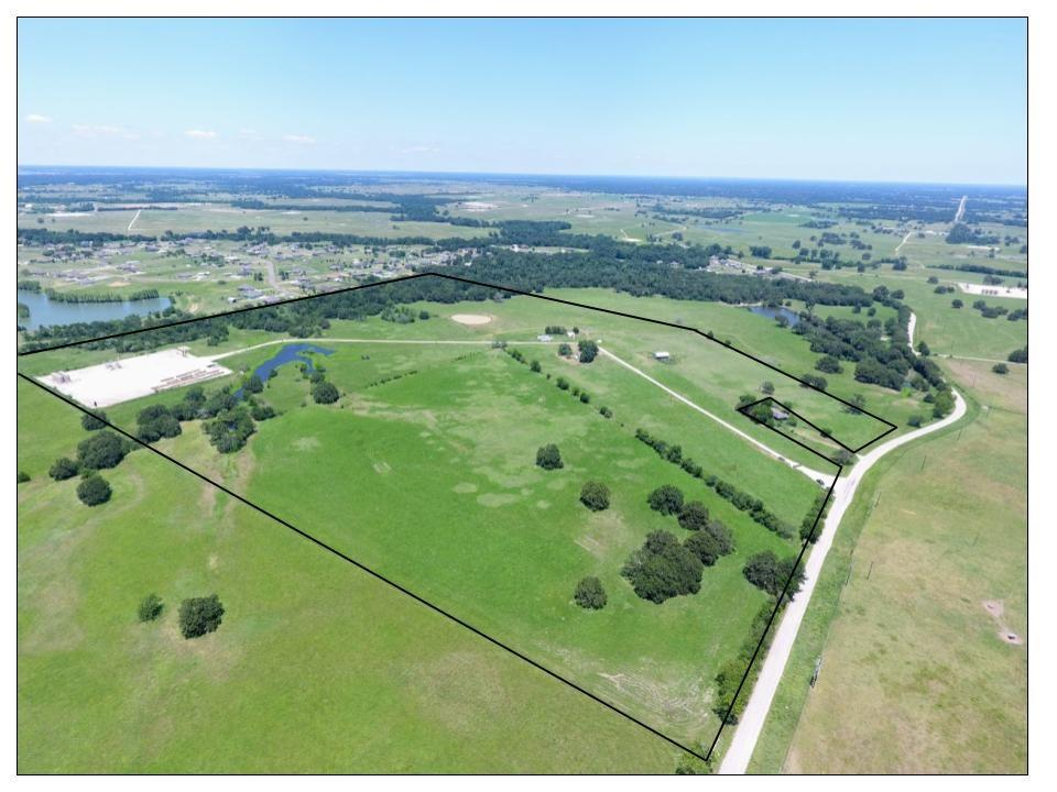 DESCRIPTION: This tract is roughly 88 acres outside of Bryan, TX. Only a 10-min drive to downtown Bryan. Only 18 min away from the Texas A&M campus.