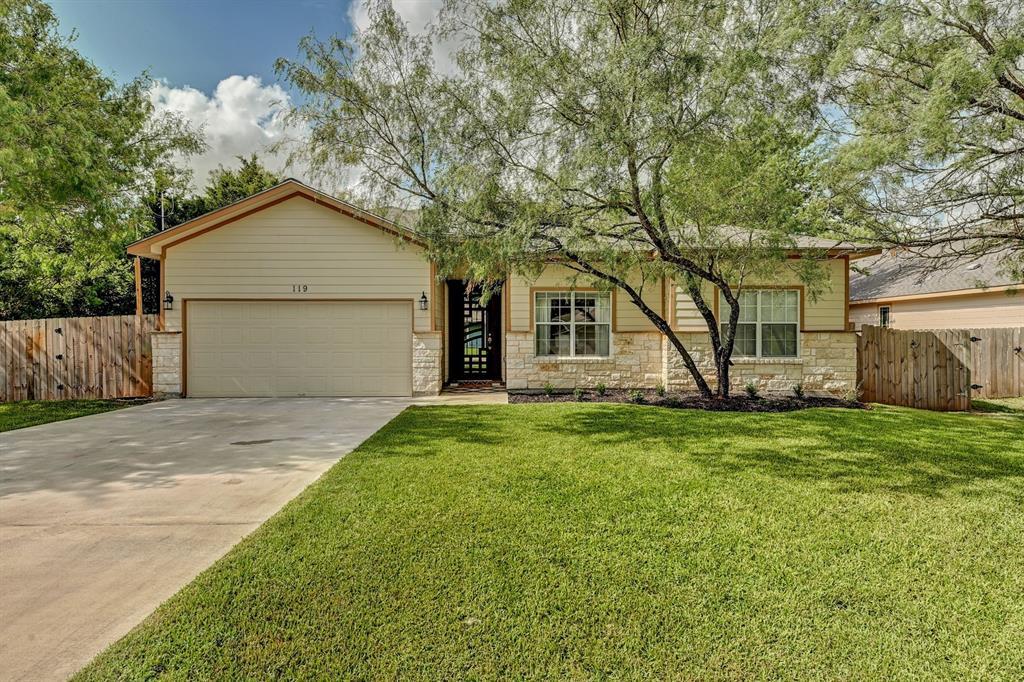 119 W Pauwela Lane, Bastrop, TX 78602