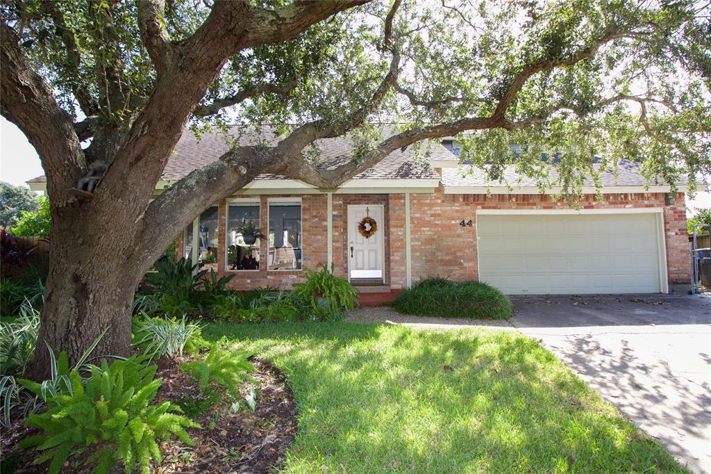 44 Lakeview Drive, Galveston, TX 77551