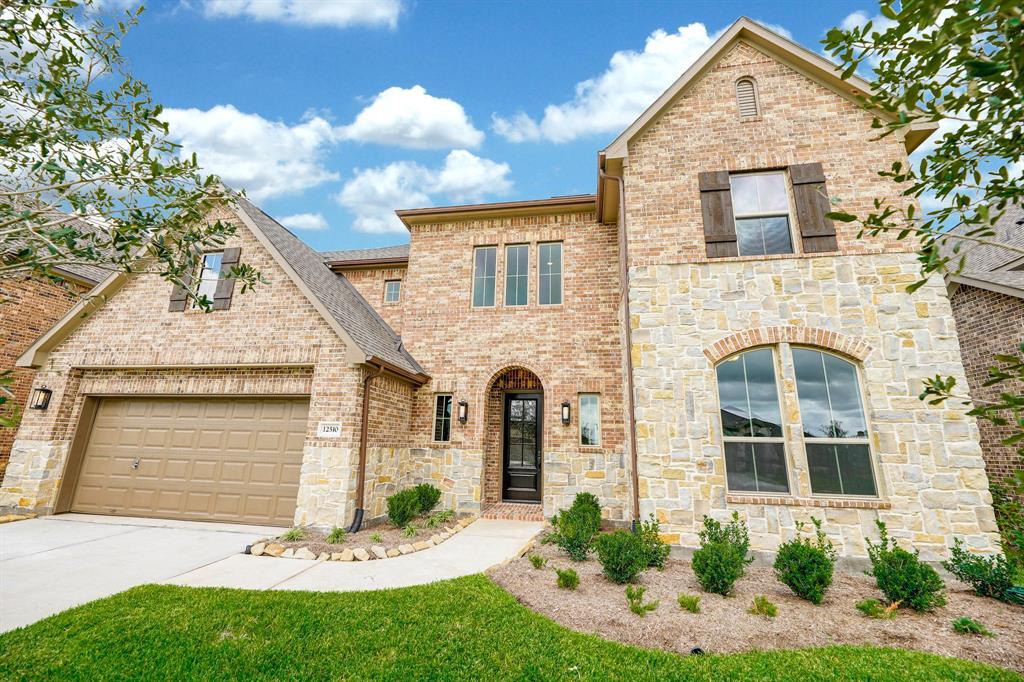 12510 Grand Haven Drive, Texas City, TX 77568