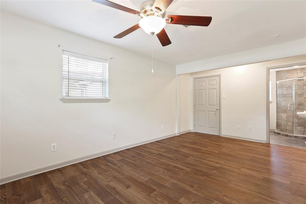 Master suite includes bathroom en suite and walk-in closet.