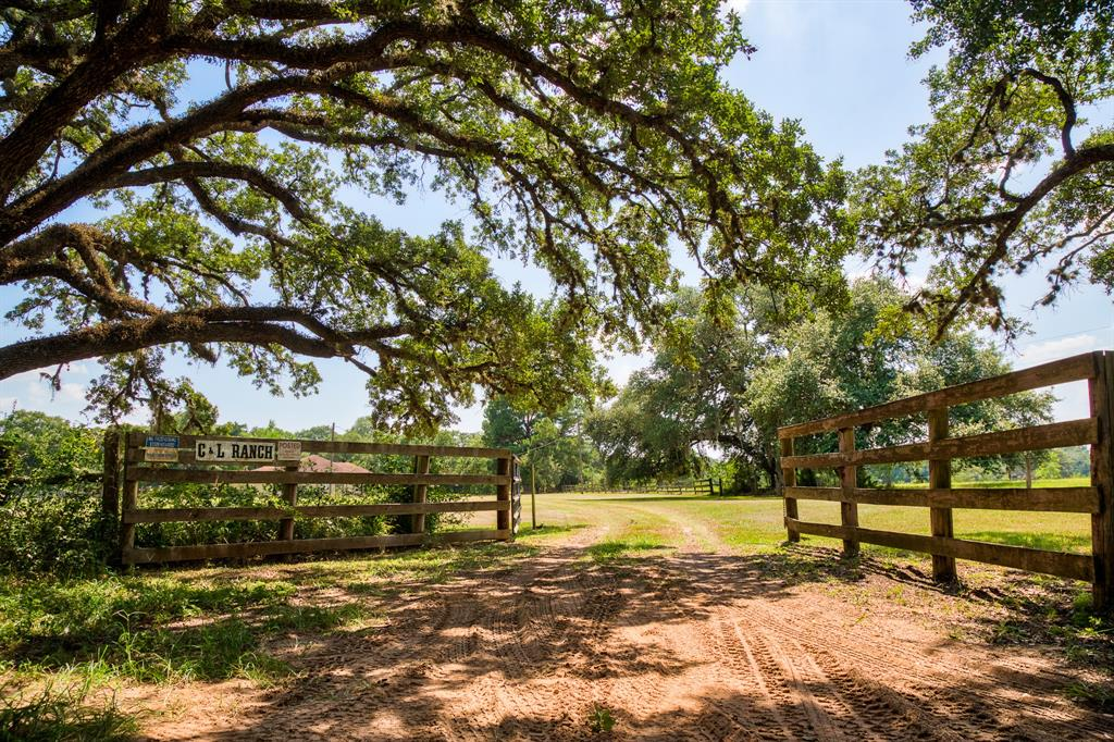 15683 Hartman Lane, Cat Spring, TX 78933