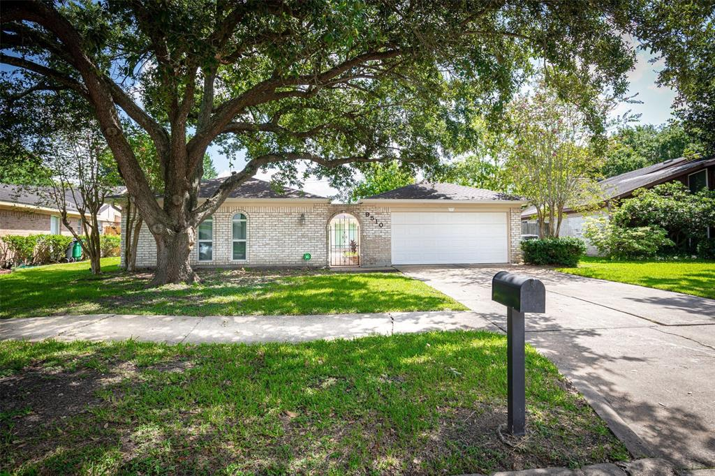 9510 Ravensworth Drive, Houston, TX 77031