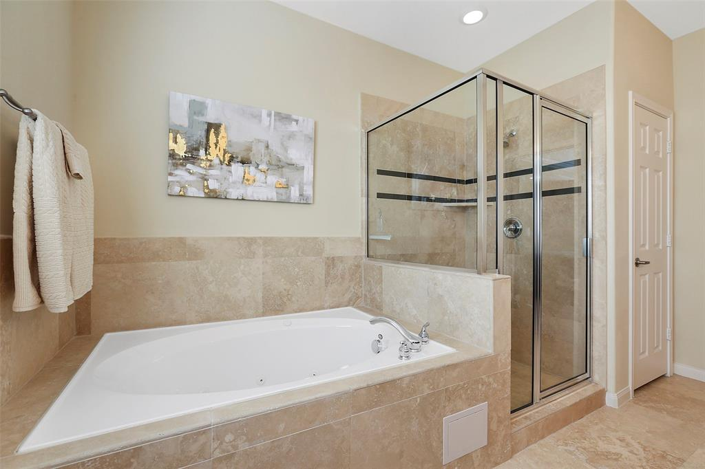 You're going to love the separate shower and large whirlpool-style tub. It also includes are nice sized linen closet.
