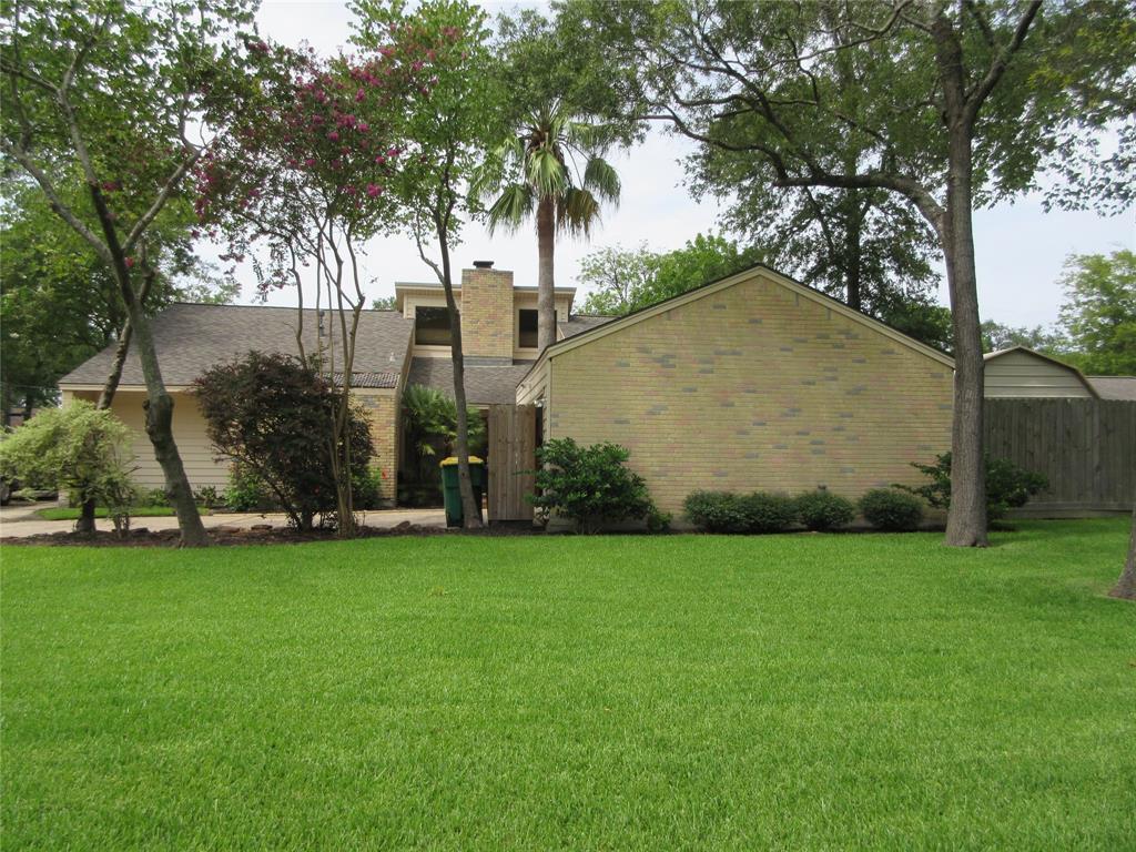 500 Post Oak Drive, Baytown, TX 77520