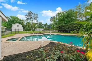1423 neal drive, tomball, TX 77375
