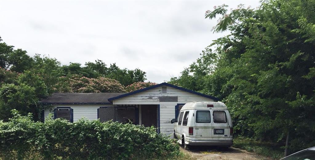 1305 E League St, Waco, TX 76704