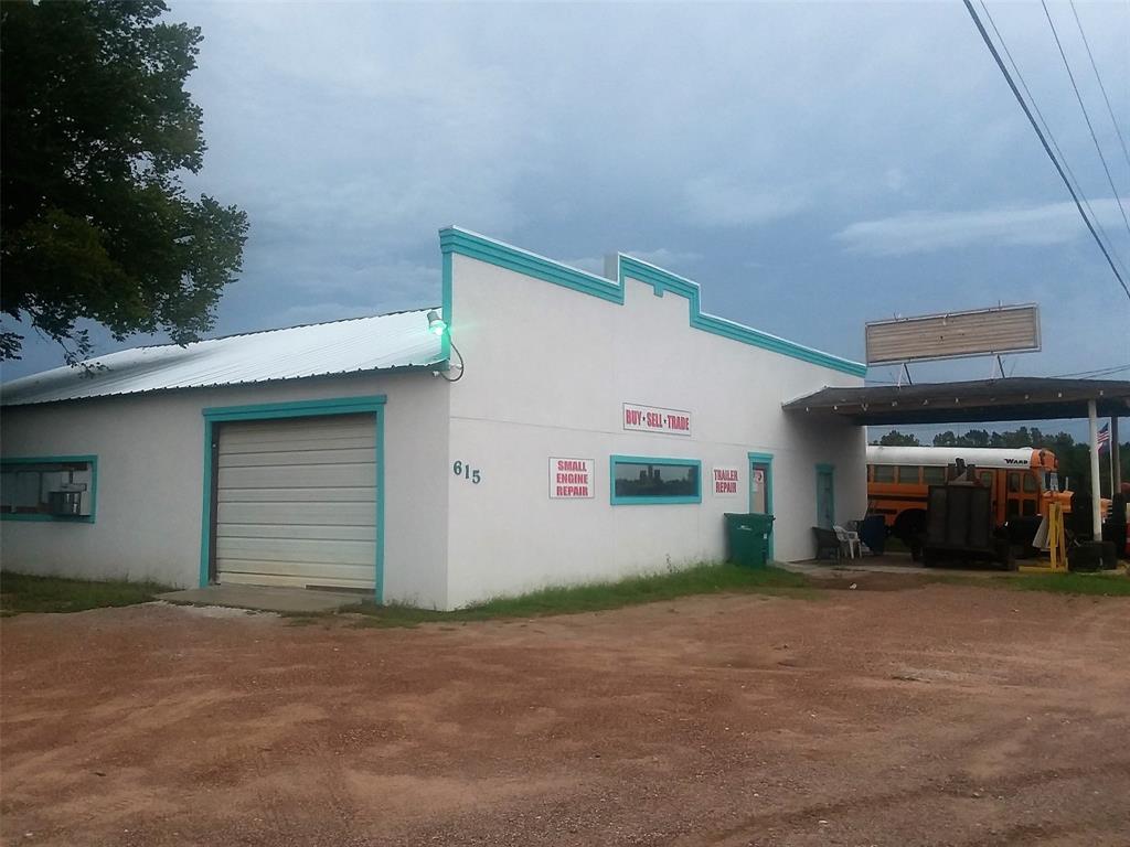 615 & 617 N Highway 75, Willis, TX 77378
