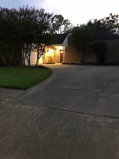 11818 Stallion Lane, Houston, TX 77071