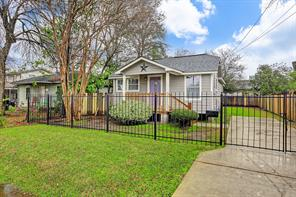 5304 Cochran, Houston, TX 77009