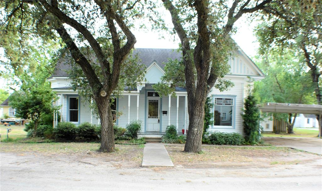 209 Progress Street, Edna, TX 77957