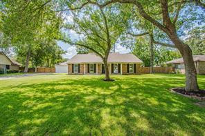 58 Surrey Oak Court, Alvin, TX 77511