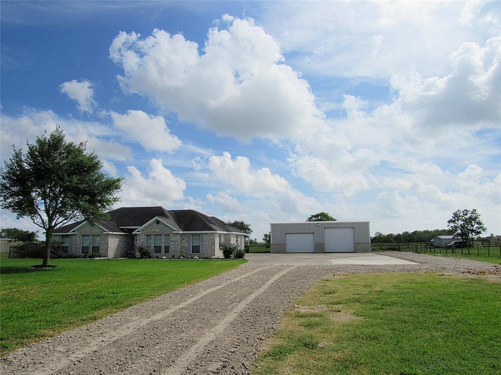 7840 Country Lane, Santa Fe, TX 77517