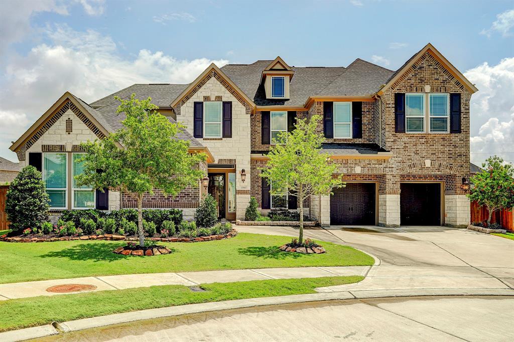 13910 Bell Valley Court, Houston, TX 77059