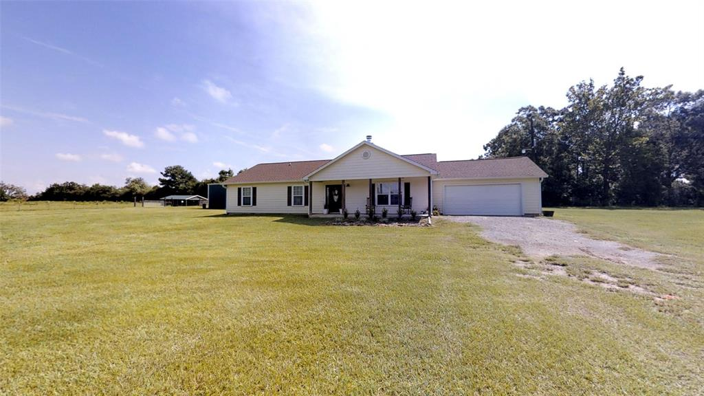 214 County Road 4632, Spurger, TX 77660
