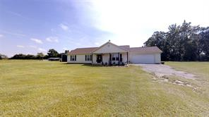 214 County Road 4632, Spurger TX 77660