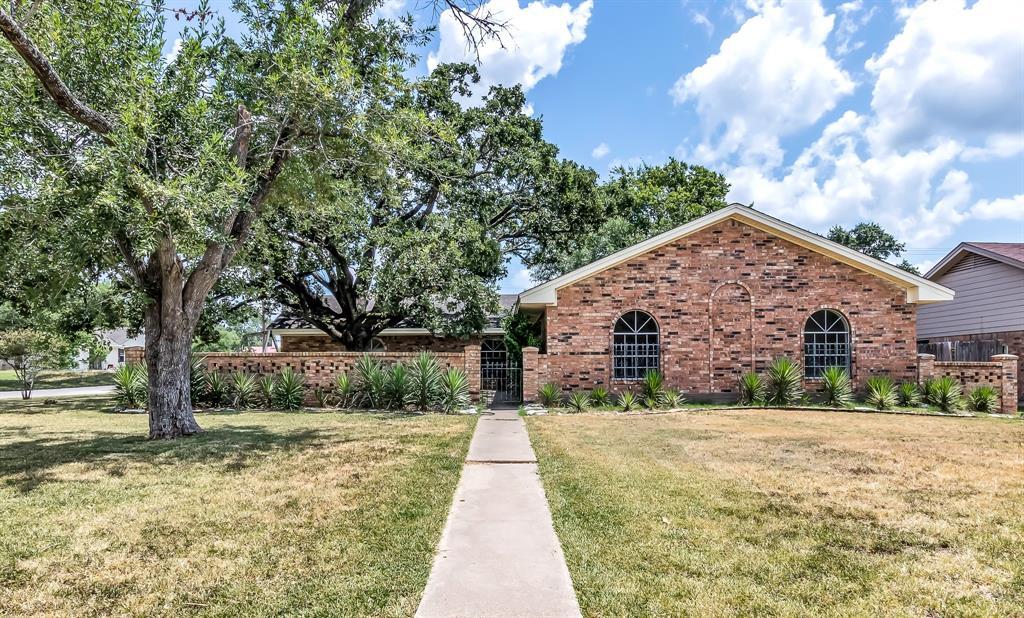 3701 Oak Ridge Drive, Bryan, TX 77802