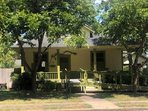127 E Walnut Street, La Grange, TX 78945