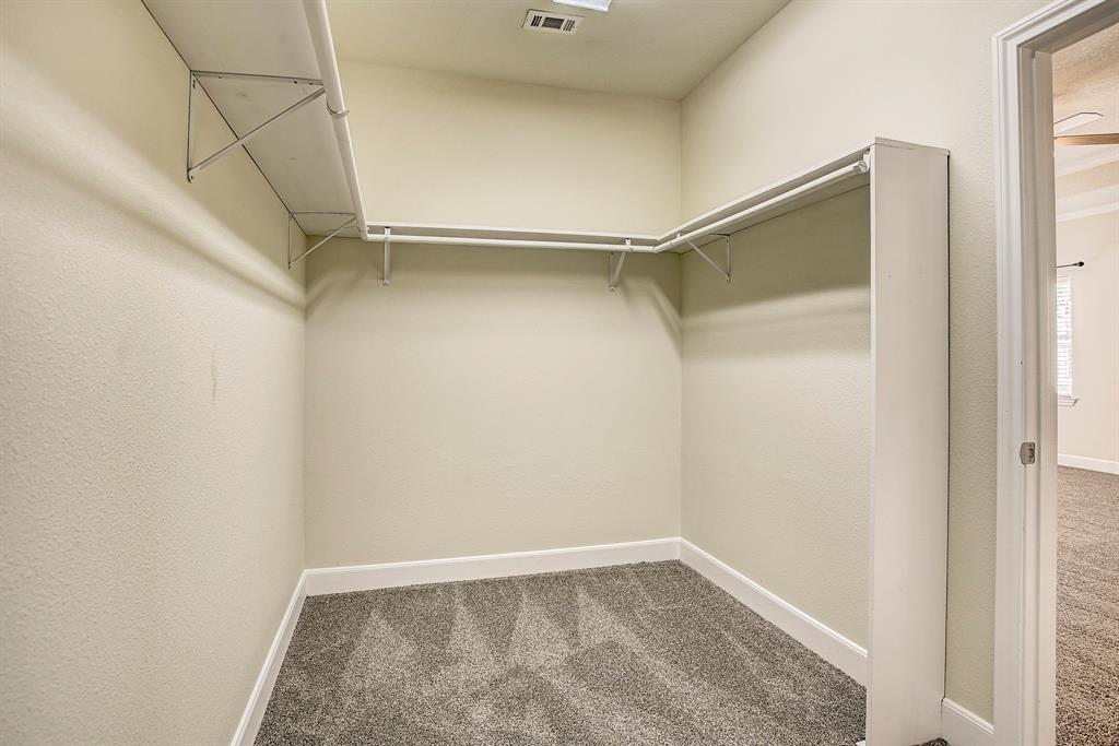 Last though not least in the master suite is the walk-in closet.