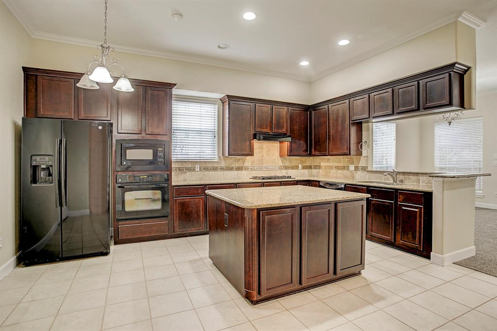 All appliances will transfer with a sale, including the washer and dryer.