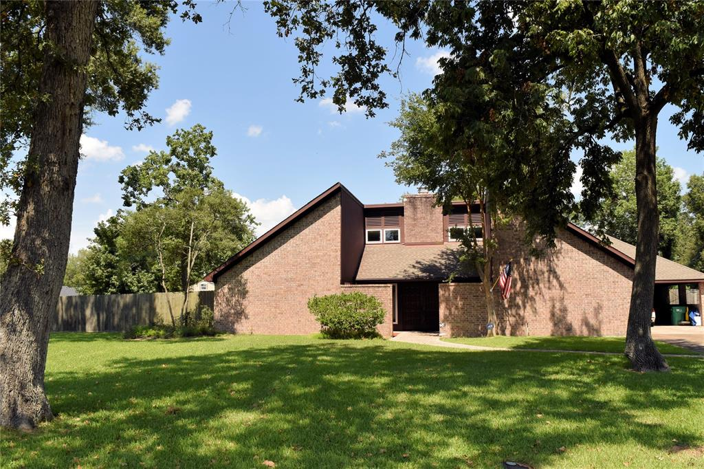 131 Red Bud Lane, Baytown, TX 77520
