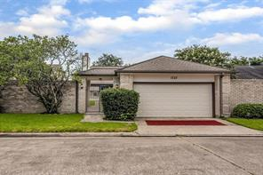 1727 Linfield Way, Houston, TX 77058