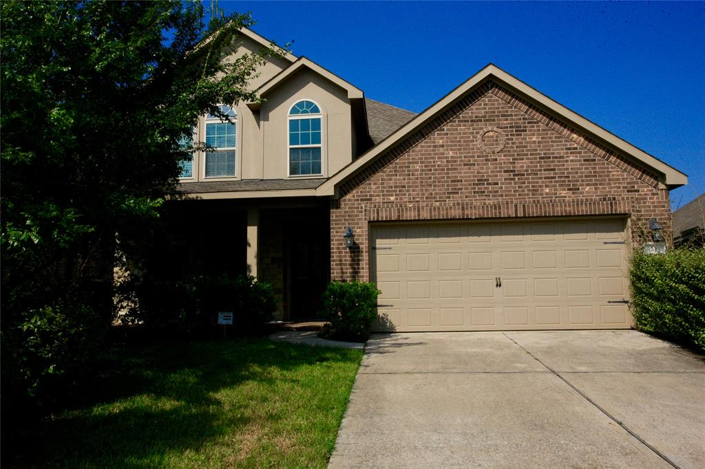 SHORT TIME LEASE ONLY !!!!!!   6-9 MONTHS   Inmaculate 2 Story home located in the Village of Creekside Park. High ceilings, open concept, granite counter tops. Study, Dining Room, Living Room, Master Down, and many more!!!! All measurements to be verified by tenants. Call listing agent for a showing.