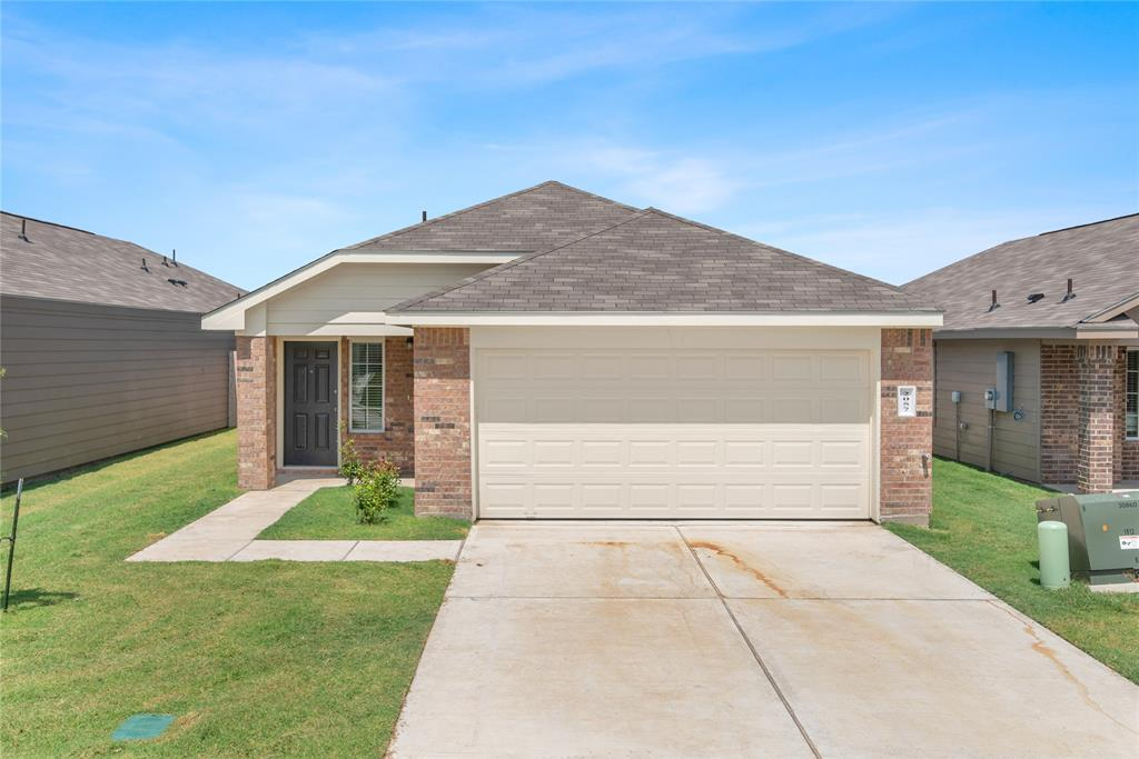 2057 Oakwood Forest Drive, Bryan, TX 77803