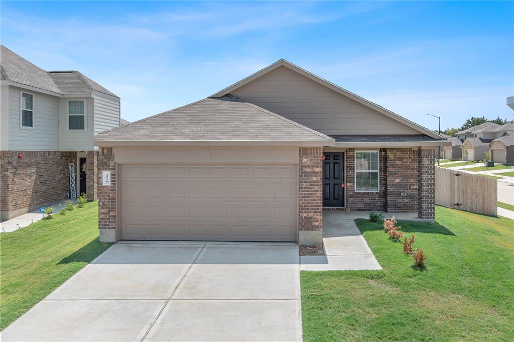 2110 Oakwood Forest Drive, Bryan, TX 77803