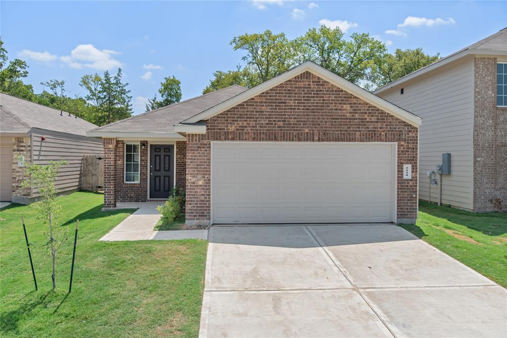 2124 Eastwood Court, Bryan, TX 77803
