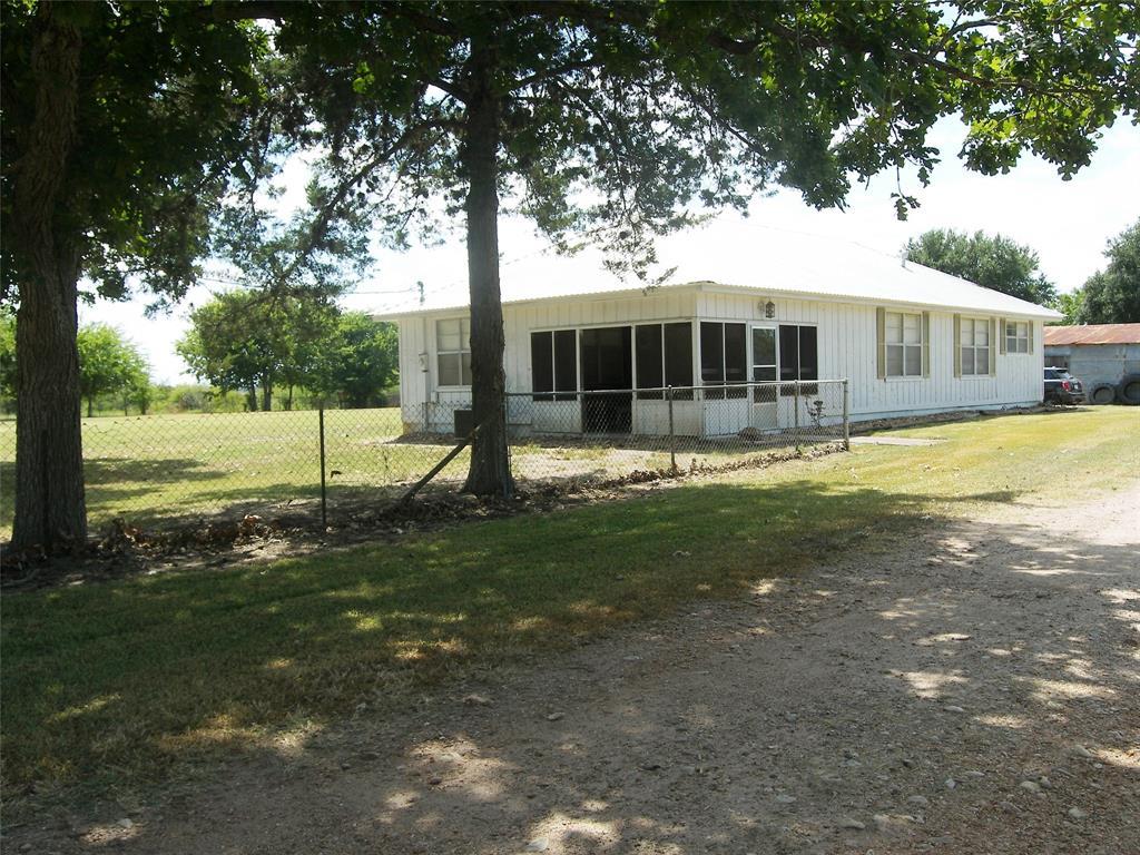 1028 Pecan Street, Weimar, TX 78951