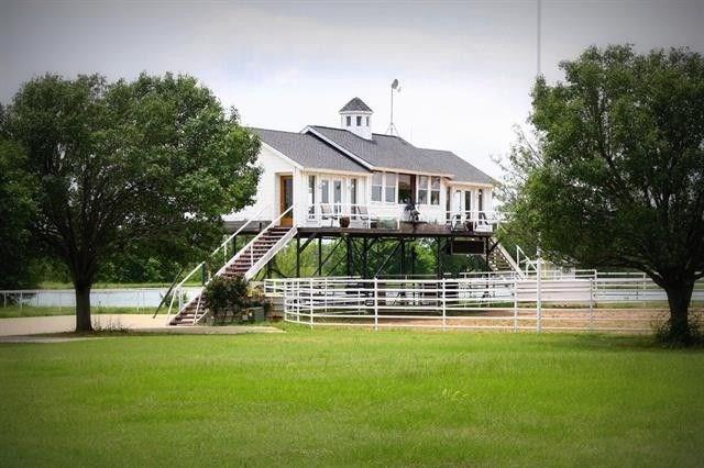 8695 Arvin Hill Road, Aubrey, TX 76227