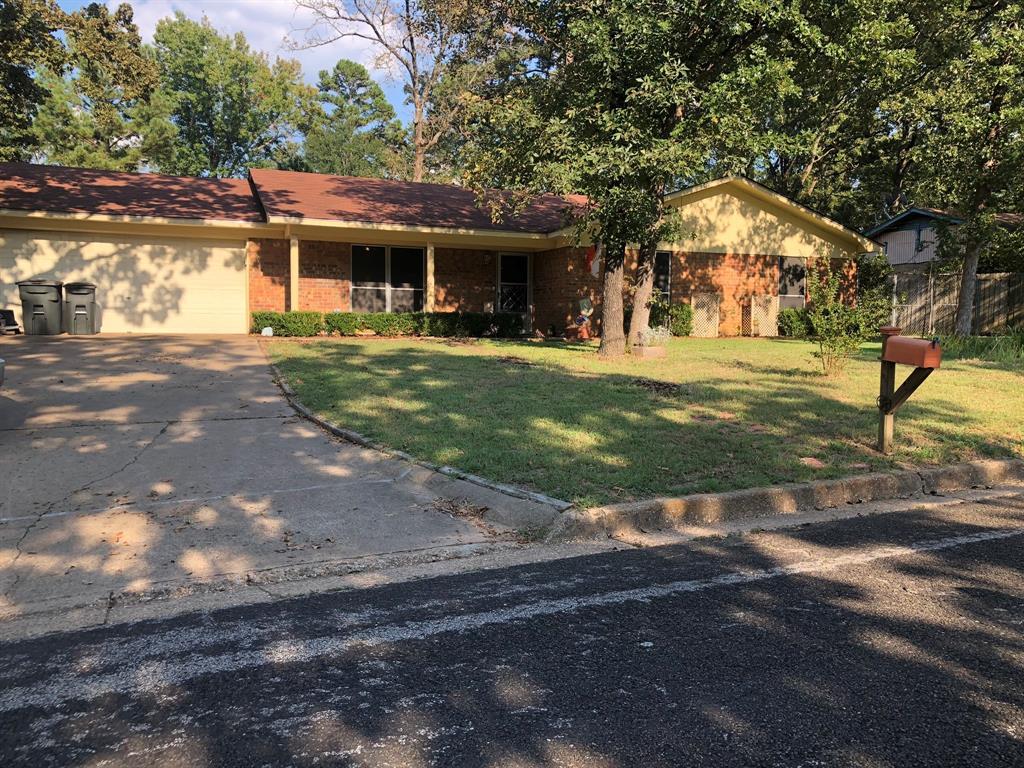 206 Brookview Lane, Palestine, TX 75803