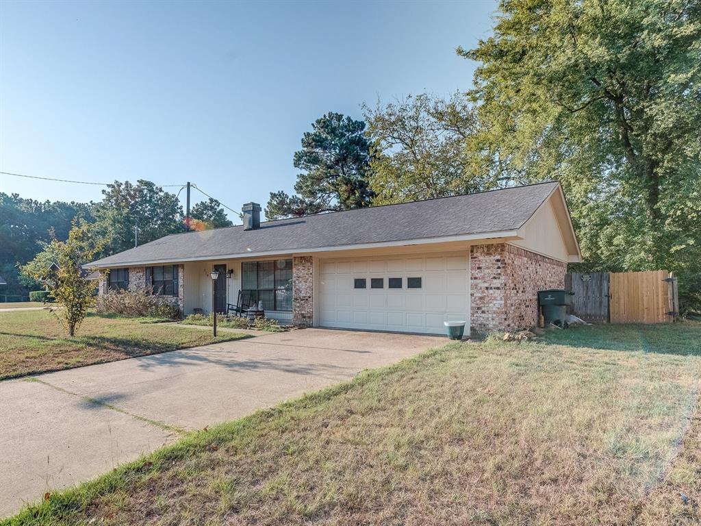 719 Georgia Oak Street, Nacogdoches, TX 75964