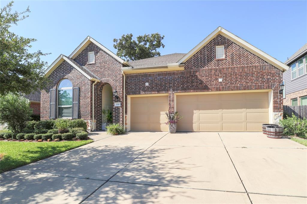 Gorgeous David Weekley Home,4/3/3 All Brick. Home Features Include 10ft. Ceilings, Ceiling Fans, Crown Molding,Leaded Glass Front Door,Office/Study w/French Doors, Formal Dining w/Built in Buffet, Island kitchen w/Granite Counters, Stainless GE Appliances, Walnut Cabinets, Walk in Pantry. Covered Back Patio, Sprinkler System. Neighborhood Amenities- Pools, Park, Nature Trails, Clubhouse, Dog Park.