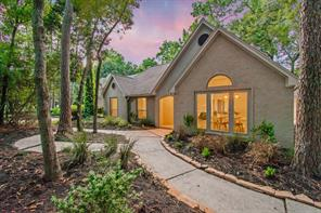 6 Hickory Hollow Place, The Woodlands, TX 77381