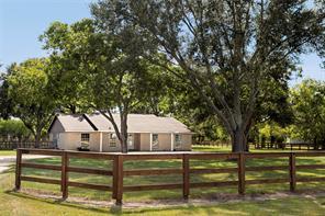3204 Hartledge Road, Rosenberg, TX 77461