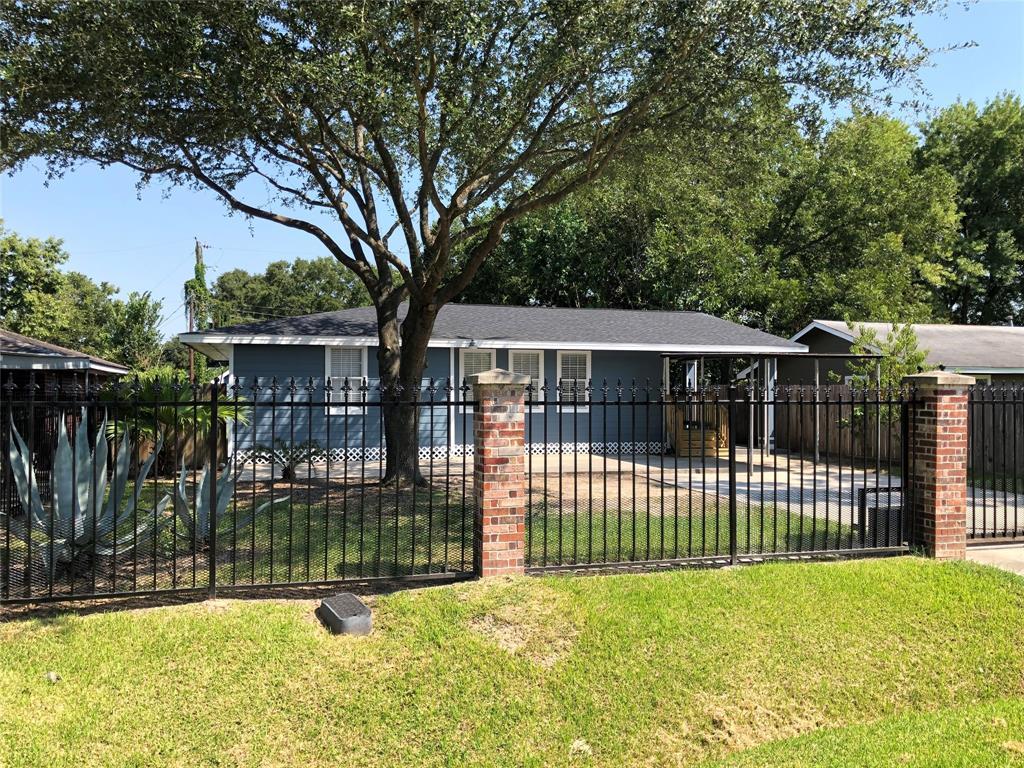107 E John Alber Road, Houston, TX 77037