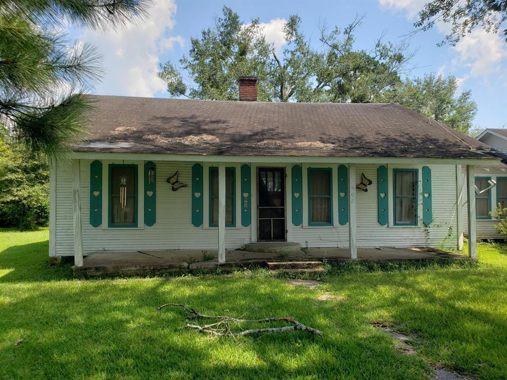 902 S Elizabeth Avenue, Kirbyville, TX 75956