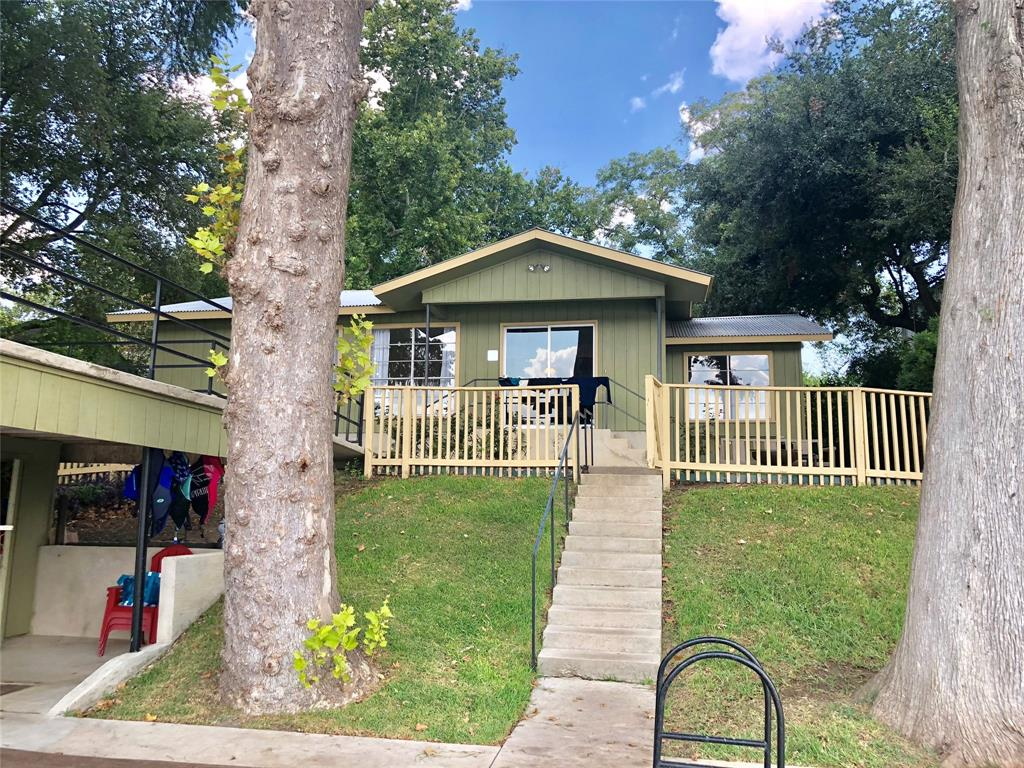 1541 Terminal Loop Road, Lake McQueeney, TX 78123